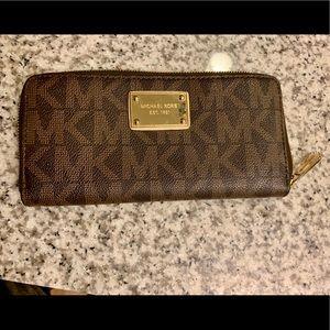 Michael Kors Ladies Wallet - Lightly Used